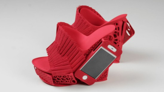 FF-iPhone-Mashup-Shoe-Alan-Nguyen-Freedom-Of-Creation-Red-Large-740x419